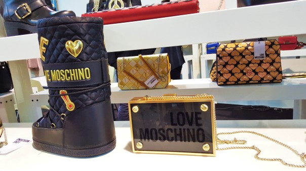 LOVE MOSCHINO | Fall / WInter 2016